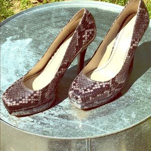 Nine West Snake Print Pumps Heels Size 6